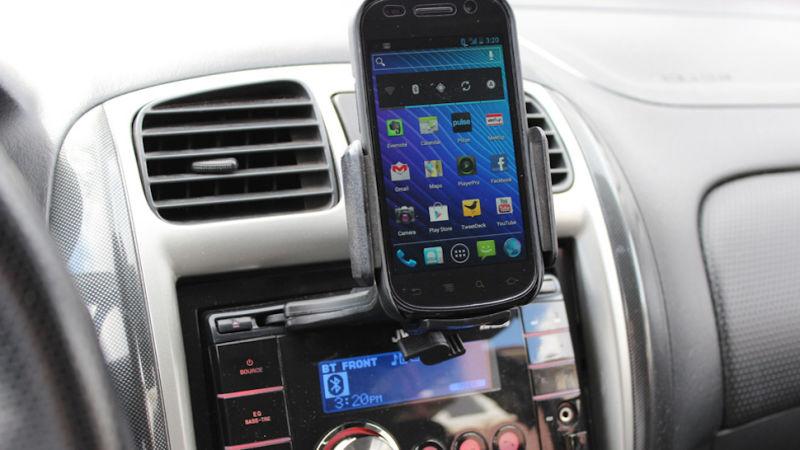 soporte para sujetar el telefono celular en el coche
