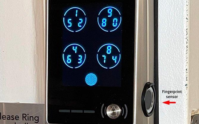 Lockly Vision exterior de la cerradura de la puerta con sensor de huellas dactilares identificado
