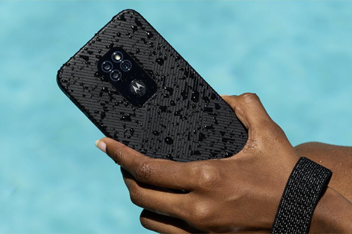 Motorola Defy Official Featured